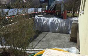 Garten mit Pool - Abschluss Phase eins