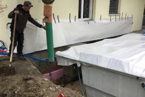 Garten mit Pool - betonieren