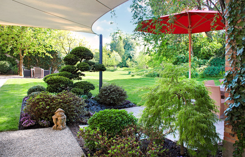 Garten mit asiatischen Elementen.